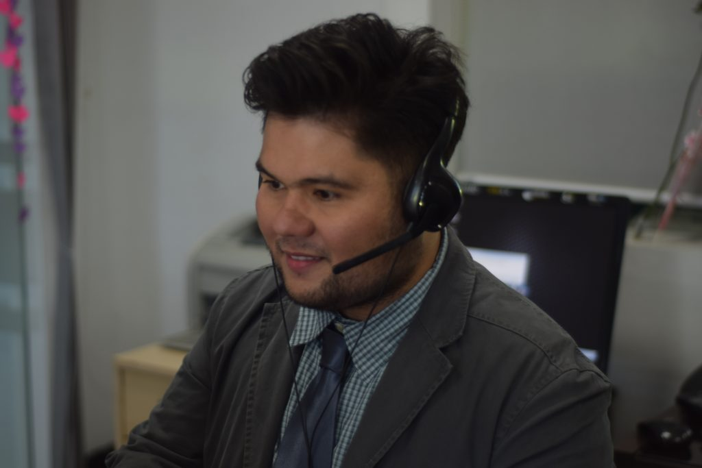call center in the philippines - male agent in action