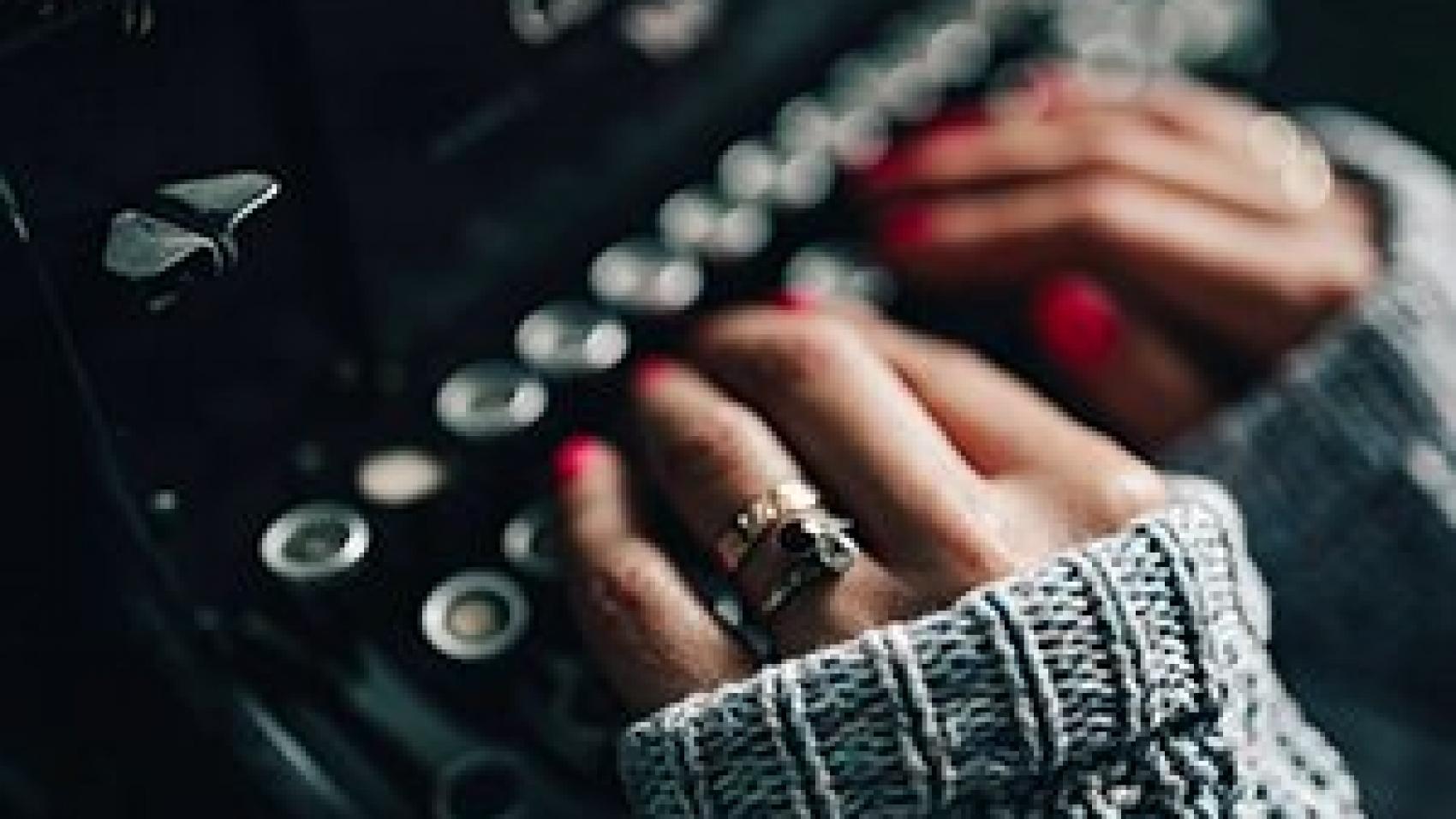 best copywriter using old typewriter